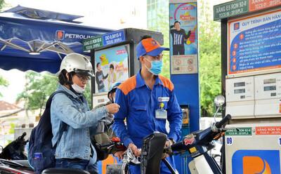 Giá xăng dầu hôm nay 11/6: Tăng cao nhất trong 16 tháng qua