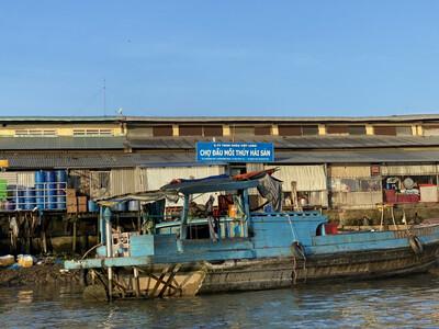 An Giang: Xử phạt 370 triệu đồng, tạm ngưng chợ đầu mối thủy hải sản vì xả thải trái phép