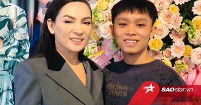 Một stylist có tiếng trong showbiz bênh vực Phi Nhung, bức xúc vì dân mạng 'tọc mạch' quá nhiều