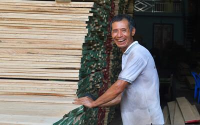 Vụ Hoài Linh bị tố nợ tiền gỗ xây dựng nhà thờ tổ: Người làng nghề mộc Liên Hà lên tiếng, chính quyền xã khẳng định cứng