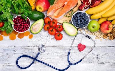 Muốn tránh xa ung thư và giữ gìn sức khoẻ, cần loại bỏ 8 nhóm thực phẩm quen thuộc này trong bữa cơm gia đình