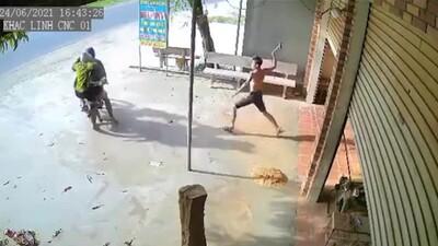 Trộm máy cắt, 02 đối tượng bị chủ nhà vác búa truy đuổi