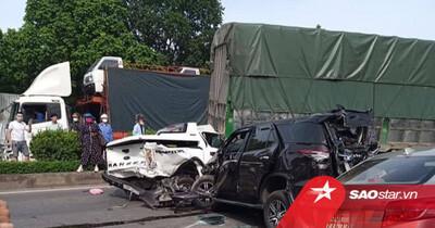 Thanh Hóa: 10 xe ô tô gặp tai nạn liên hoàn khiến 6 người thương vong