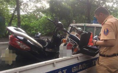 Hà Nội: Tài xế say xỉn lái xe ô tô gây tai nạn liên hoàn từ quận Tây Hồ sang Ba Đình