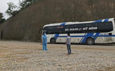 Tin mới vụ F0 trốn viện, bắt xe về quê: Đi 2 chuyến xe khách, 38 người bị 'vạ lây' thành F1