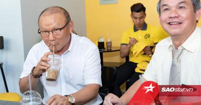 Xúc động trước tâm sự của ông Park với bầu Đức: Tôi cứ nghĩ đến Việt Nam cùng lắm là 1 năm
