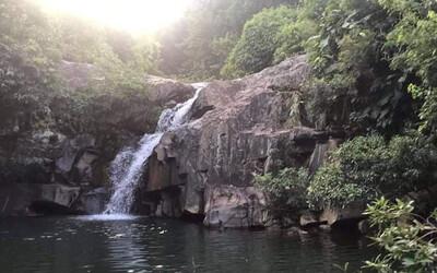 Hà Tĩnh: Hai nữ sinh mới 13 tuổi tử vong khi đi tắm thác