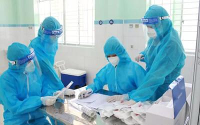 Hà Nội thêm 10 trường hợp dương tính với SARS-CoV-2 tại 06 ổ dịch