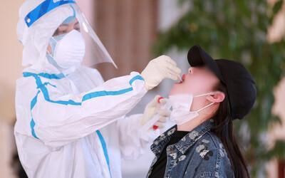 Đến bệnh viện khám lở miệng, nữ công nhân 20 tuổi phát hiện nhiễm Covid-19