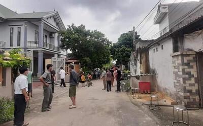 Vụ sát hại vợ chồng hàng xóm ở Bắc Giang: Nguyên nhân từ cánh cổng kêu to?