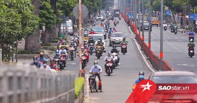 Ngày 17/8: Đường phố Sài Gòn đông xe cộ lưu thông dù F0 trong cộng đồng đang tăng mạnh
