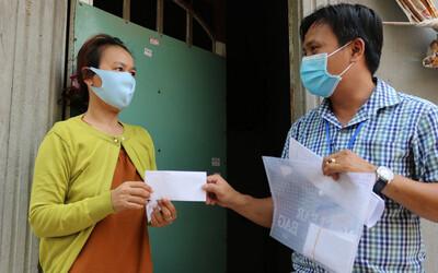 TP HCM sẽ hỗ trợ vô điều kiện tới toàn bộ 2,5 triệu người gặp khó, phát tiền mặt và gạo tận nơi