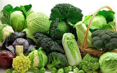 Những thực phẩm nên và không nên ăn sau khi tiêm vaccine COVID-19