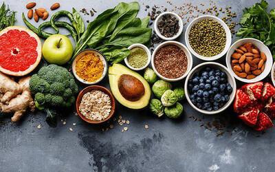 40% các loại ung thư có thể ngăn ngừa nhờ ăn uống hợp lý: 9 thực phẩm là 'khắc tinh' của 'thần chết', bán đầy ở chợ Việt
