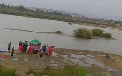 Ra sông cào don, 3 mẹ con chết đuối thương tâm