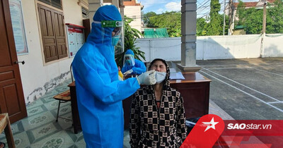 Nghệ An: Nghe tin con trai nhiễm Covid-19, mẹ đi xét nghiệm dương tính SARS-CoV-2