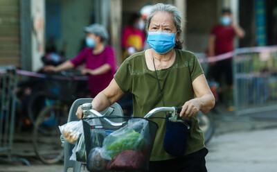 Người dân Hà Nội đi chợ, mua hàng hoá thế nào khi phân 3 vùng chống dịch từ ngày 6/9?