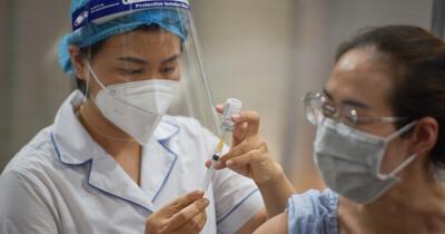 Tiêm đủ 2 mũi vắc xin đã đủ an toàn để đi lại? Chuyên gia phân tích điều mọi người cần phải biết