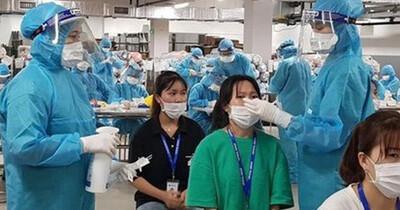 Người lao động không may bị nhiễm Covid-19 ở công ty có được hưởng chế độ tai nạn lao động?