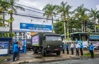 TP Cần Thơ: 'Chuyến xe yêu thương' mang 18 tấn hàng hóa, rau củ đến với ngành GD&ĐT tỉnh Bình Dương và TP Hồ Chí Minh