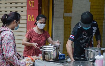 Nóng: Từ 12h ngày 16/9, một số quận, huyện ở Hà Nội được bán hàng ăn uống mang về