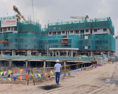 Công nhân phải có 'thẻ xanh Covid', công trình xây dựng mới được thi công