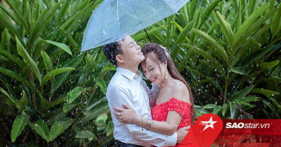 'Cô dâu 62 tuổi' kỉ niệm 3 năm ngày cưới với chồng trẻ: Phải style 'thanh xuân vườn trường' mới chịu!