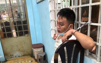 TP.HCM: Một thượng úy bị nam thanh niên 'truy sát', đâm nhiều nhát vào người