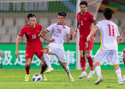 Từng khiến cả châu Á ngợi ca, tuyển Việt Nam sa sút như thế nào khi thua Trung Quốc?