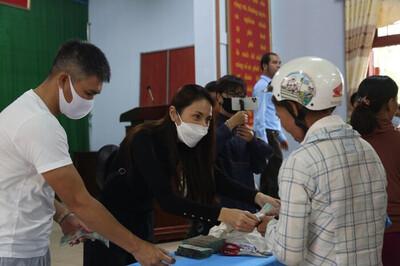 Hà Tĩnh báo cáo về kết quả rà soát hoạt động từ thiện của ca sĩ Thủy Tiên
