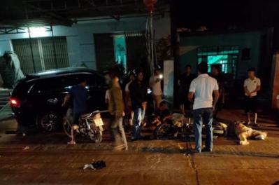 Nhân chứng vụ xe 'điên' tông hàng loạt xe máy, 7 người thương vong: Ô tô lạng lách và chạy tốc độ cao, cảnh tượng rất thảm khốc