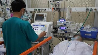Hơn 2 giờ 'sinh tử' cứu sống bệnh nhân ngưng tim vì bị dao đâm xuyên ngực
