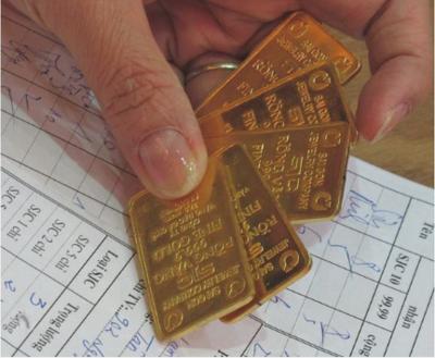 Giá vàng lại tăng vọt trở lại