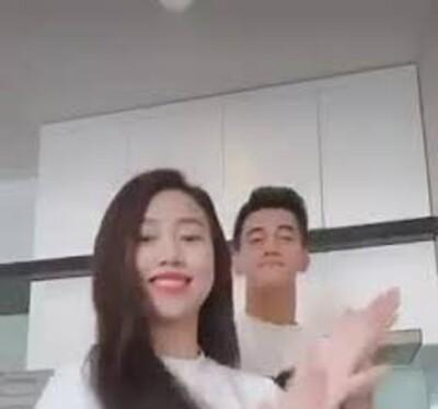 Clip: Tiến Linh và Hồng Loan cùng diện đồ đôi, nhảy vũ điệu 'Ghen Cô Vy'