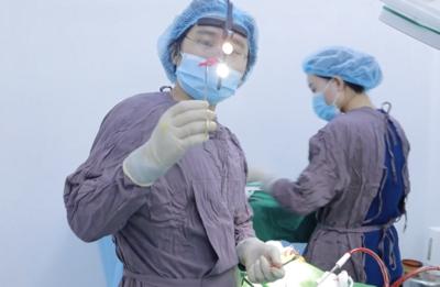 TP.HCM: Cô gái 20 tuổi 'tố' thẩm mỹ viện Natural để bác sĩ chưa có chứng chỉ hành nghề sửa mũi gây biến chứng nặng