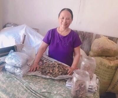 Lương y Nguyễn Thị Bình chữa bệnh xương khớp nổi tiếng Việt Nam