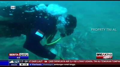 Video cảnh tượng kinh hoàng dưới đáy biển nơi máy bay Indonesia rơi