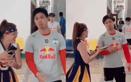 MXH lan truyền clip Công Phượng không chịu chụp hình với fan tại hậu trường trước trận đấu