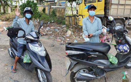 Nam thanh niên đi bộ từ Bình Thuận về Thanh Hóa, may mắn nhận món quà ý nghĩa dọc đường
