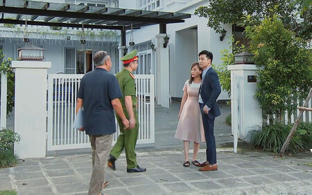 Hương vị tình thân: Lộ cảnh công an đến nhà tìm Long - Nam, liên quan đến vụ ông Sinh bị gài bẫy giết người lần 2?