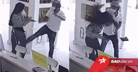 Clip: Ra tay đánh phụ nữ tại thẩm mỹ viện, hành động của người đàn ông gây tranh cãi dữ dội