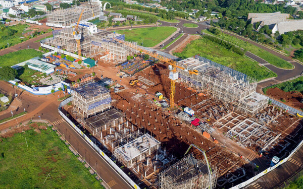 Những căn nhà đầu tiên trong dự án Thành phố Cà phê của ông Đặng Lê Nguyên Vũ đã cất nóc: Giá 7-10 tỷ đồng/căn