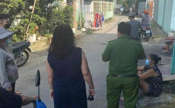 Bà ngoại giằng lại cháu trai từ tay người lạ xông vào nhà, nhân chứng: 'Nó đánh bà choáng không la được'