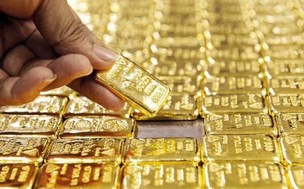Giá vàng hôm nay 22/10: Tiếp tục đà tăng, vàng trong nước cũng 'dậy sóng'