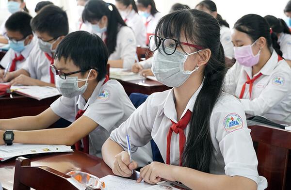 Bộ GD&ĐT: Không thu thêm phí ôn tập kiến thức khi học sinh trở lại trường